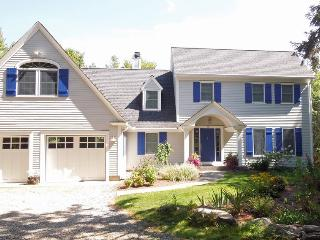 A LUCKY CAST | WESTPORT ISLAND MAINE | PET FRIENDLY | SALT WATER RIVER | DEEP WATER DOCK & FLOAT - Boothbay vacation rentals