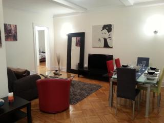 Huge Renovated Midtown 2Br by 5Ave - New York City vacation rentals
