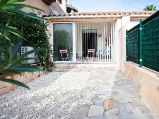 Petite maison au bord de la plage - Ste Maxime - Var vacation rentals