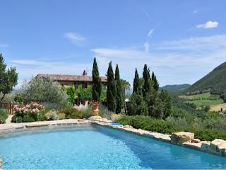 4 bedroom Villa with Internet Access in San Giovanni del Pantano - San Giovanni del Pantano vacation rentals