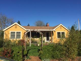 renovated bungalow near university and river park - Willamette Valley vacation rentals