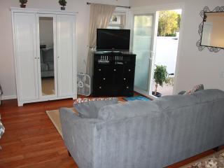 El Segundo Guest House - Best location in LA - El Segundo vacation rentals