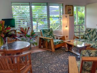 Ellie's Authentic Hawaiiana House near Poipu Beach - Koloa-Poipu vacation rentals