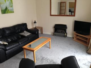 1 bed apt central manchester with secure parking - Manchester vacation rentals
