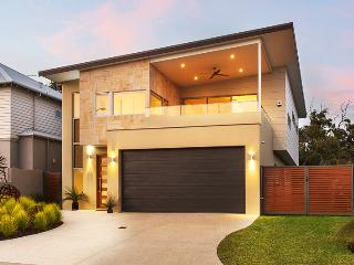 Bright House in Dunsborough with Internet Access, sleeps 8 - Dunsborough vacation rentals