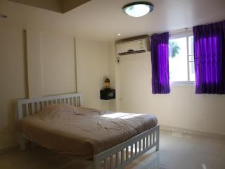 Nice Room for rent in Khao Takieb - Hua Hin vacation rentals