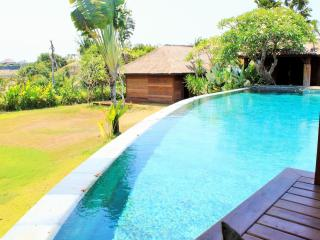5 Bedroom Villa  With Large Pool / Garden - Bali vacation rentals