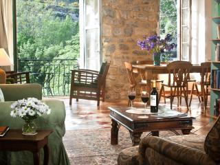 Holidays Lagrasse, Riverside house Balcony gite - Lagrasse vacation rentals