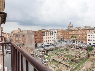 Ancient Rome View Apartment - Rome vacation rentals