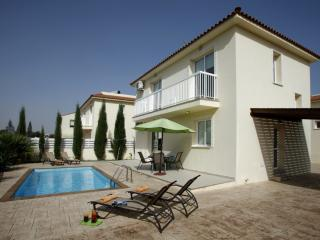 Lovely 3 bedroom Famagusta Villa with Internet Access - Famagusta vacation rentals