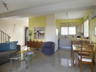 "Townhouse Valentina ""on Luxury Resort"" - Kapparis vacation rentals"