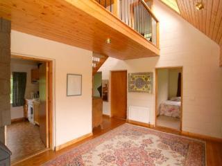 Beautiful 4 bedroom Buncrana Guest house with Toaster - Buncrana vacation rentals