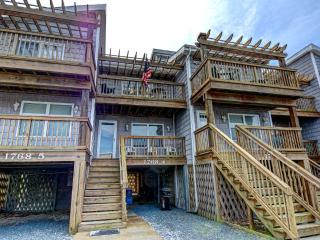 Shipwatch I 1768-4 Oceanfront! | Internet - North Topsail Beach vacation rentals