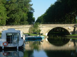 castel nautique houseboat renting Electric boats B - Bram vacation rentals