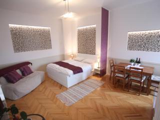 Nice Condo with Internet Access and Washing Machine - Budapest vacation rentals