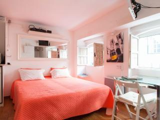 Alfama studio for 2 in historic center - Lisbon vacation rentals