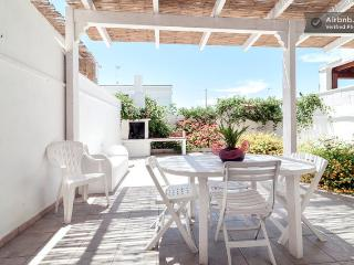 Cozy 3 bedroom House in Torre San Giovanni - Torre San Giovanni vacation rentals