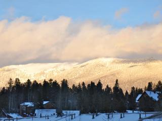 3BR Ski Condo~ Mountain View~Fabulous Health Club~ - Fraser vacation rentals
