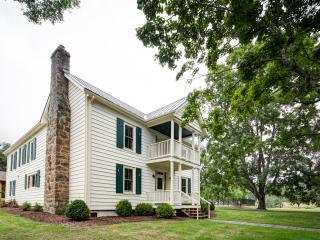 1860's House - A wonderful 4 bed restored farmhouse located within Meadow Lane. Access to outdoor pool and tennis courts - Warm Springs vacation rentals