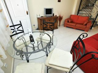 2 bedroom Villa with Internet Access in Quesada - Quesada vacation rentals