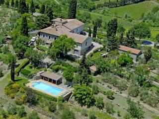 Lovely 4 bedroom Castellina In Chianti House with Central Heating - Castellina In Chianti vacation rentals