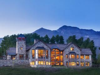 Touchdown Drive - 5 Bd + Sleeping Den/ 6.5 Ba - Sleeps 14 - TRUE SKI IN SKI OUT Luxury Estate - Ski Access onto Galloping Goose run - Telluride vacation rentals