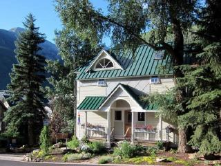 220 West Galena - 3 Bd / 3.5 Ba - Deluxe Home - Sleeps 6 - Located Downtown Telluride on the Sunnyside - Southwest Colorado vacation rentals