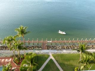Southern exposure, private beach, book early for fall! - Marco Island vacation rentals