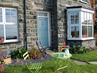 Gorgeous 7 bedroom Llwyngwril House with Deck - Llwyngwril vacation rentals