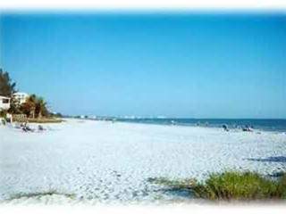 Lori's Beach Cottage, Very Private Pool , Hot  Spa - Fort Myers Beach vacation rentals