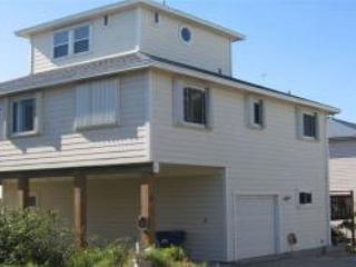 Spacious beach house with great price - Sleeps 9 - Port Aransas vacation rentals