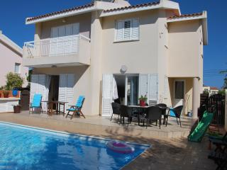 3 bedroom villa with private pool 350 meters from - Protaras vacation rentals