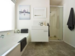 Cloud Nine - Cute and Cosy Cottage - Arthurs Seat vacation rentals