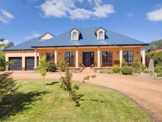 Gorgeous 5 bedroom Bowral House with Internet Access - Bowral vacation rentals