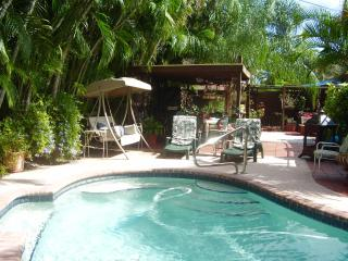 Luxury1BD/1BR studio apartment pool side - Fort Lauderdale vacation rentals