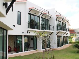 Phoenix Villa Resort House 7 - Pattaya vacation rentals