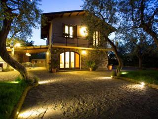 3 bedroom Villa in Sorrento, Sorrento and Ischia, Amalfi Coast, Italy : ref 2294056 - Priora vacation rentals