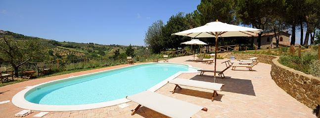 6 bedroom Villa in Montaione, San Gimignano, Volterra and surroundings - Image 1 - Montaione - rentals