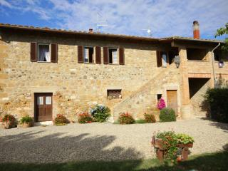 4 bedroom Apartment in Pienza, Val d Orcia, Tuscany, Italy : ref 2294109 - Gallina vacation rentals