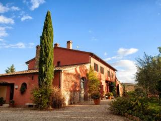 8 bedroom House with Internet Access in Castiglione D'Orcia - Castiglione D'Orcia vacation rentals