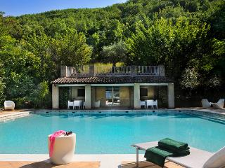 Bright 4 bedroom Matelica Villa with Internet Access - Matelica vacation rentals