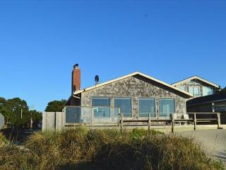 WAVE WALKER -Classic Beach Front home! Stellar VIEW OF THE OCEAN! - Manzanita vacation rentals