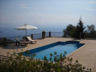 Bright 2 bedroom Villa in Corinth with Grill - Corinth vacation rentals