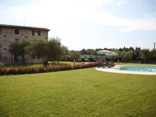 FARMHOUSE LE GINESTRE, LAZISE, LAKE GARDA - Lazise vacation rentals