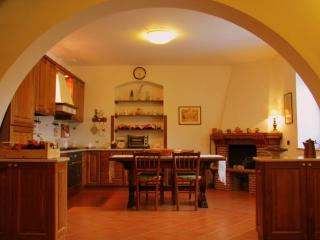 4 bedroom House with Short Breaks Allowed in Viterbo - Viterbo vacation rentals