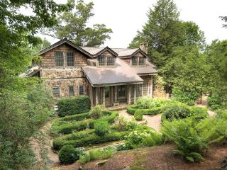 Highgate Home- Incredible custom home with guest house offering fantastic mountain views and rustic elegance and luxury - North Carolina Piedmont vacation rentals