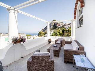 """Casa Acquaviva"" a pochi metri dalla piazzetta - Capri vacation rentals"