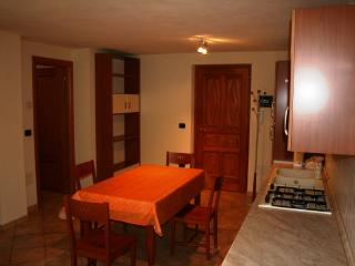 Monolocale in villaggio di montagna - Brusson vacation rentals