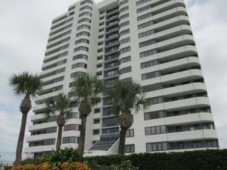Horizons Condo 6 th floor 2 bed  2 bath Oceanfront - Daytona Beach vacation rentals