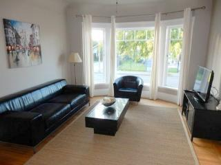 Bright Condo with Internet Access and Cleaning Service - Oakland vacation rentals